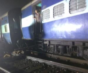 201806100659298688_Maharashtra-Three-coaches-of-Howrah-Mail-train-derailed_SECVPF